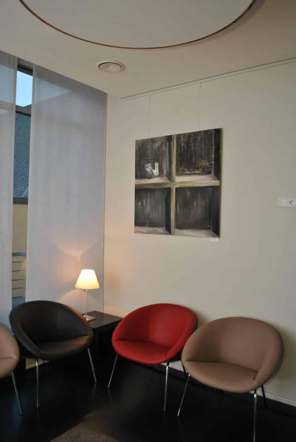 Handgearbeitete Stühle mit neuem Bezug